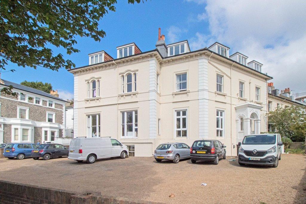 Belmont Court, Brighton, BN1